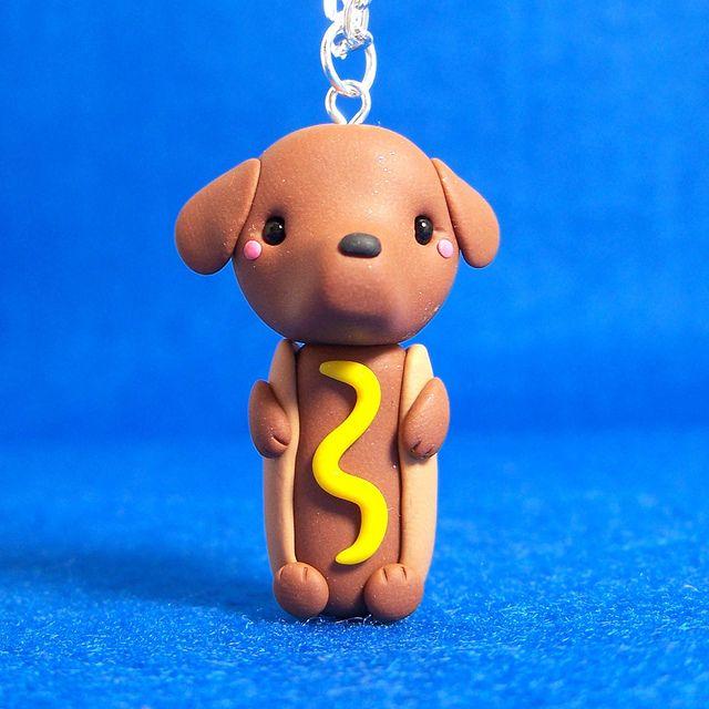 Perrito salchicha en porcelana fria