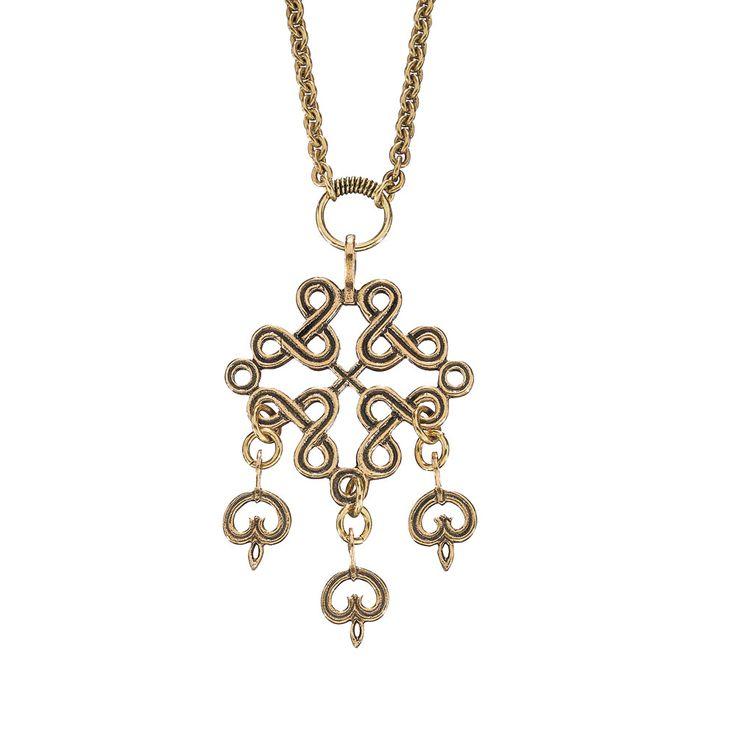 """Karelian braid"" by Finnish jewelry company Kalevala Koru. Variation of an original 12th-14th century Christian symbol from the crusade times, found in Karelia."
