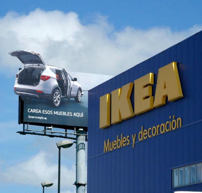 Billboard capta la atención de los clientes ajenos