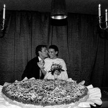 Wedding cake per un matrimonio in uno chalet sulle piste da sci di Limone Piemonte - Italia | Wedding designer & planner Monia Re - www.moniare.com | Organizzazione e pianificazione Kairòs Eventi -www.kairoseventi.it | Foto Marika Virgilio