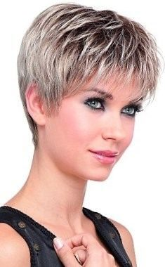 coiffures courtes pour les visages ronds et double menton