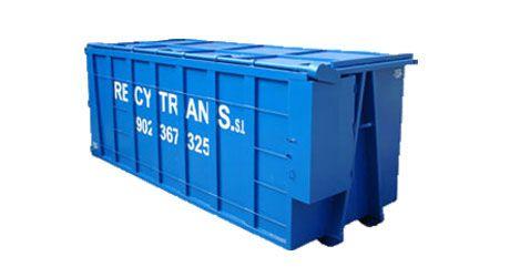 Contenedor de residuos de 30 metros cúbicos tapado