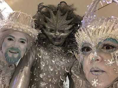 Book our Frosted walkabout characters. Our Christmas stilt walkers are available to hire for Christmas parades, Winter Wonderland events or Christmas-themed events in the UK & London.