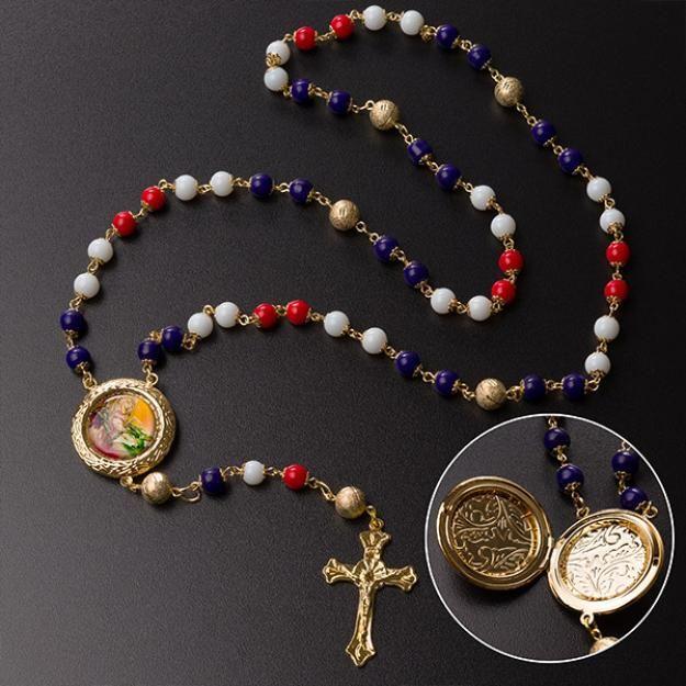 7ad1e6948d9c4 Lindo Terço de São Jorge, o Santo Guerreiro, uma linda peça com corrente  folheada