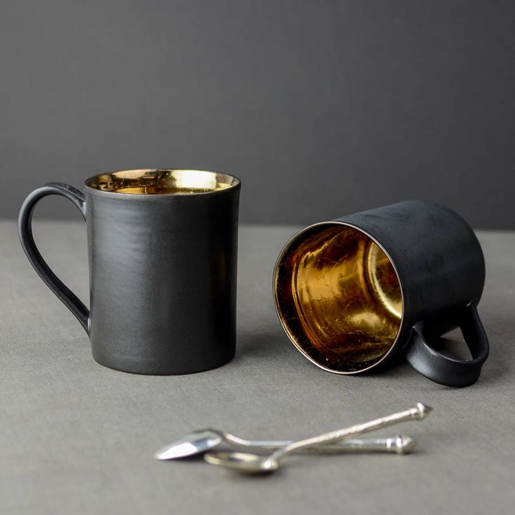 A beautiful handcrafted Tea Mug with a luxurious metallic bronze glaze.Available individually for £18.75, or as a set of two or four including a saving.This limited edition tea mug, is the latest addition to our contemporary collection. Generous in size, this ceramic tea mug has an intensely reflective bronze glaze on the inside, enhanced by a semi matt black finish on it's exterior. This luxurious table accessory will be the perfect gift for anyone who enjoys drinking tea or coffee wi...