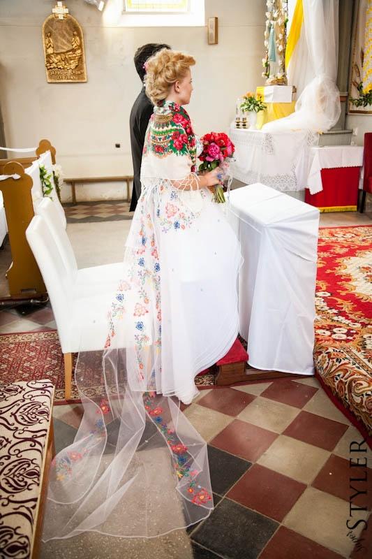 Dlaczego suknia ślubna jest biała