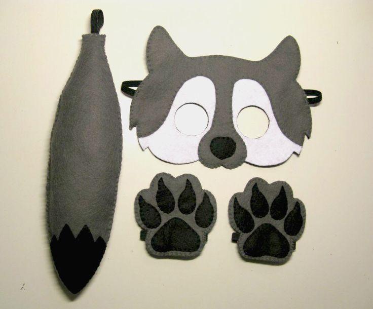 Wolf voelde masker staart paws set voor kinderen 2-10 jaar grijs wit zwart vilt handgemaakte bos dieren kostuum - kleding op spelen - theater rollenspel door FeltFamily op Etsy https://www.etsy.com/nl/listing/267997390/wolf-voelde-masker-staart-paws-set-voor