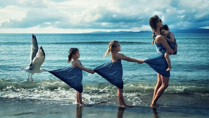 Картинки по запросу мама и две дочки