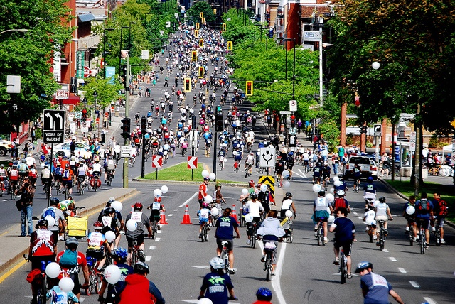 Le Tour de l'Île de Montréal by Velo Quebec, via Flickr