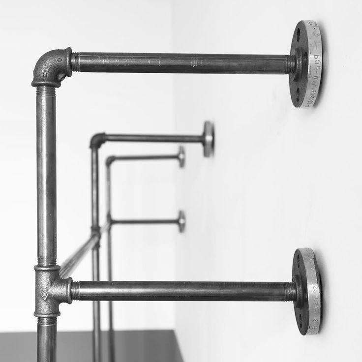 Gerüst für offenen Kleiderschrank DUO HIGH // open wardrobe frame DUO HIGH. www.various-shop.com. #steelpipe #Stahlrohr #industrial #industrialdesign #wasserrohr #clothingrack #furniture #möbel #kleiderschrank #wardrobe #clothesrail #handmade #diy #modernindustrial #coatrack #interior #interiordesign #modern #fashionlovers #fashionvictims #timelessdesign #inspiration #handmade #living #architecture #scandinavian #homedesign #bedroom #minimalism #interiorstyle #interiorlovers by…