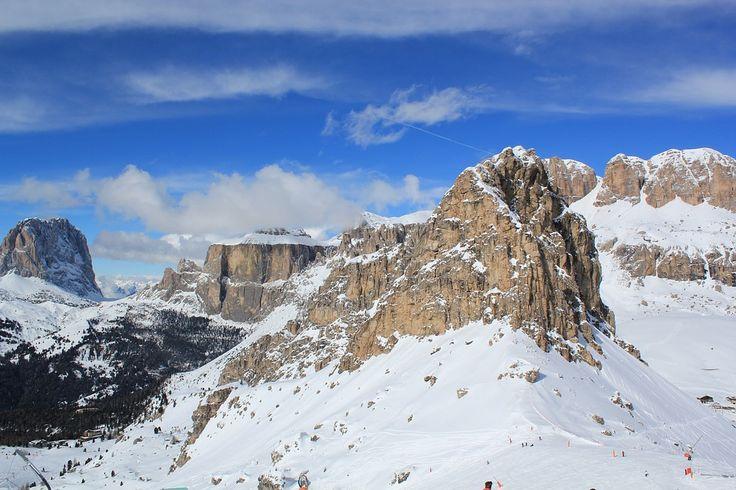 Hai in vacanta de Revelion la schi in Italia! La cerere va putem oferi pachete personalizate pentru vacante la schi si pentru alte hoteluri, statiuni sau perioade de calatorie! http://bit.ly/2yrRpvH #revelionlaschi #vacantadeiarna #calatorie