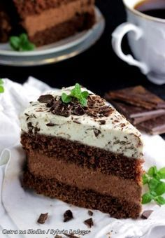 tort czekoladowy , tort straciatella , tort z kremem czekoladowym , mus czekoladowy . krem do tortow , mus czekoladowy do tortu , czekolady lindt , lind excellence , sylwia ladyga , ostra na slodko ,  najlepsze torty , tort na komunie , tort latwy , szybki tort