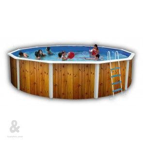 Piscina circular Toi con acabado Bosque fabricada en acero, cubierta por una funda de polietileno de alta densidad y calidad fotográfica. Incluye escalera en acero inoxidable, sistema de filtración de arena, kit de verano y tapiz de suelo. Disponible en diferentes diámetros.