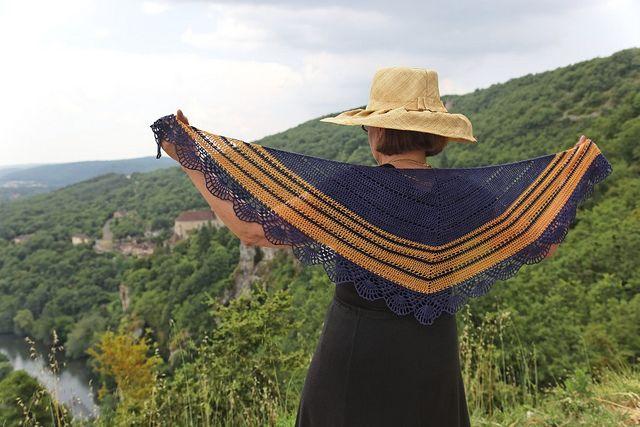 Sea & Sun - variation 1 Crochet shawl