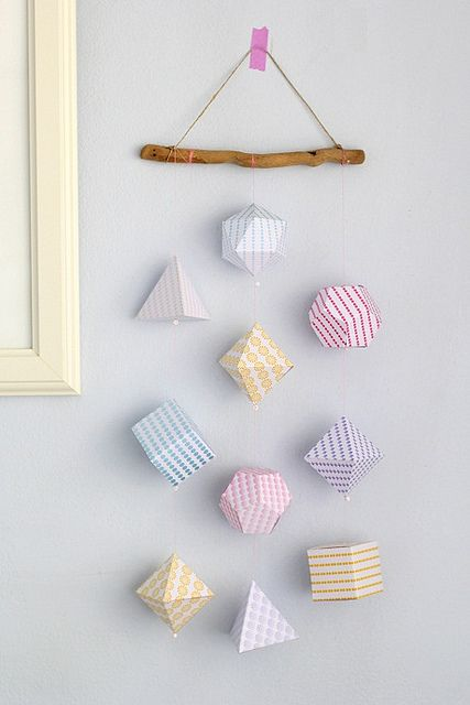 3d geometric shapes mobile by cafe nohut link to tutorial for Baby shapes mobile