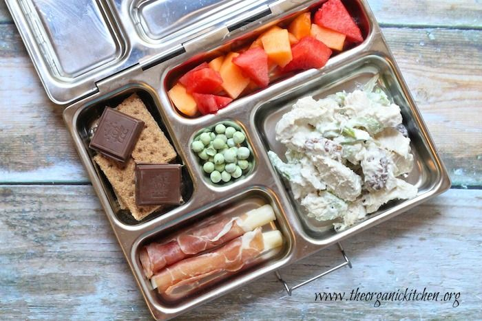 say whaaaaat?????   who has time to pack lunches like these everyday?  wow. Healthy back to School Lunches