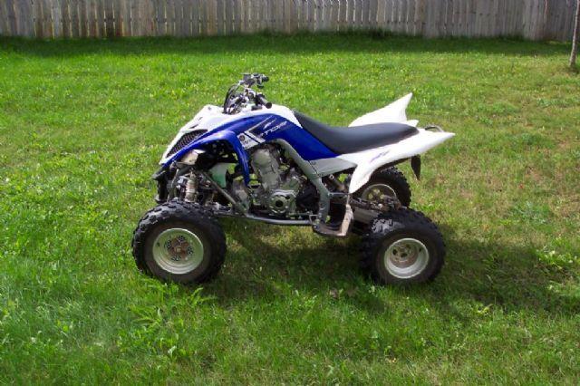 Blue Yamaha  Wheeler