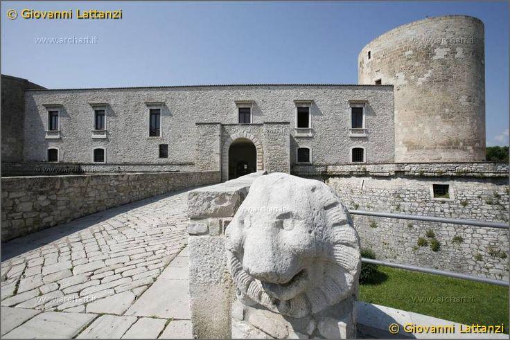 88 fantastiche immagini su italia venosa basilicata su for Disegni casa castello