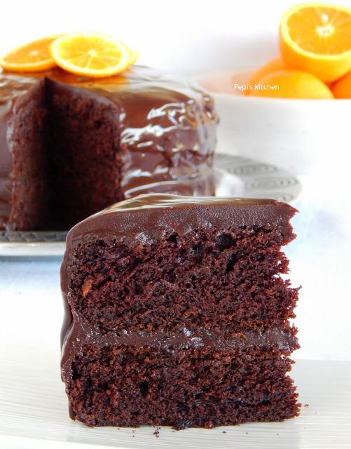 Σοκολατένιο Κέικ με Πορτοκάλι και Γλάσο Σοκολάτας http://www.pepiskitchen.blogspot.gr/2015/06/sokolatenio-keik-me-portokali-kai-glaso-sokolatas.html