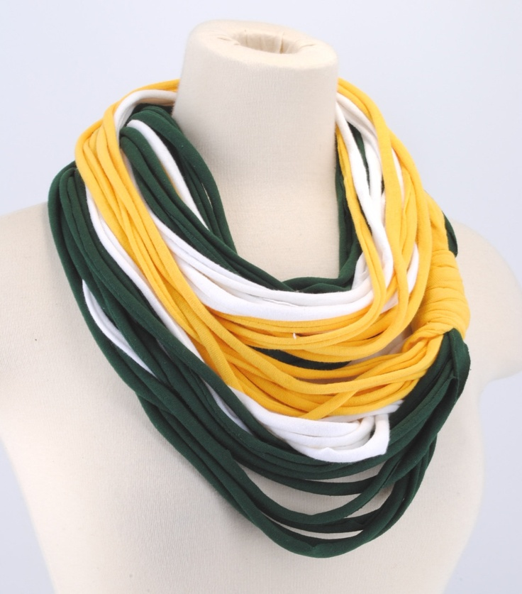 Green & gold infinity scarf (This is cool, I should make something like this to wear on game day) #SicEm: Diy Scarfs, Packers Infinity, Green Bay, Infinity Scarfs, Green Gold, Bay Packers, Green And Gold, Crazy Scarfs, Gold Infinity