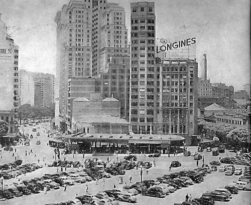 TABULEIRO DA BAIANA Centro da Cidade Anos 50 O Tabuleiro da Baiana durante muitos anos foi a estação de bondes que vinham e iam para a Zona Sul do Rio. Inaugurado em 1937