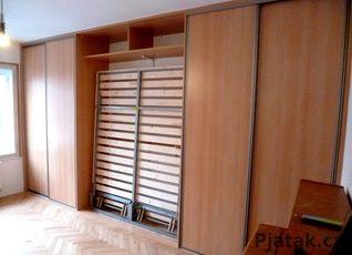 vestavěná skříň se sklápěcí postelí   materiál buk