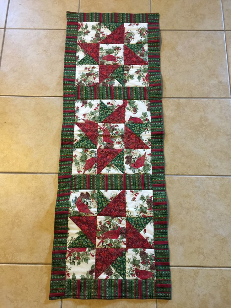 191 best asztal futó images on Pinterest | Quilt table runners ... : small quilting projects gifts - Adamdwight.com