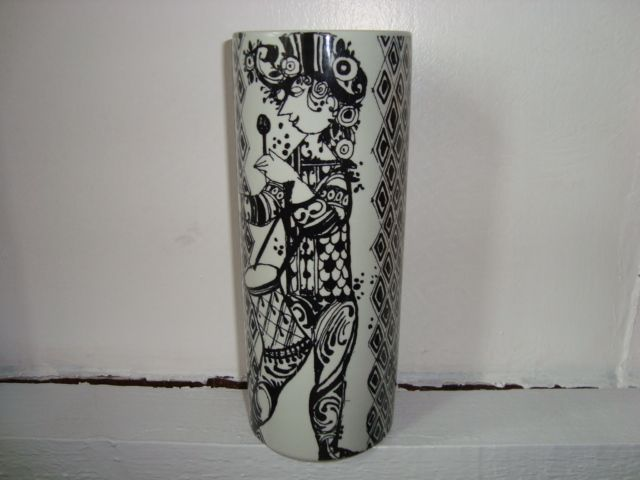 "BJØRN WIINBLAD ""Duet"" vase 1970s. #bjørnwiinblad #duet #danishdesign #danishceramics #ceramics #danskkeramik #keramik #vase #vas. From www.TRENDYenser.com. SOLGT."