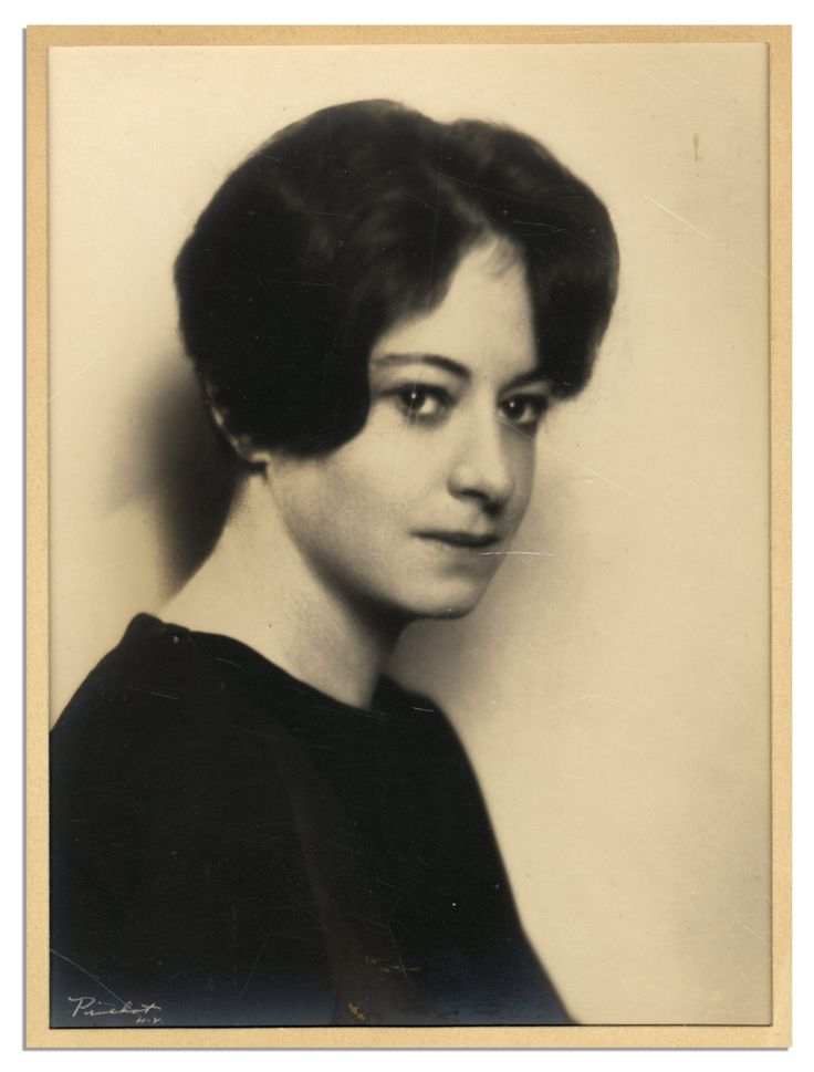 Arrangements in black and white by dorothy parker