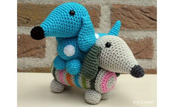 Вязаная собака голубая такса. Схема