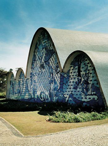 Igreja São Francisco de Assis da Pampulha. Projeto arquitetônico da igreja é de Oscar Niemeyer.