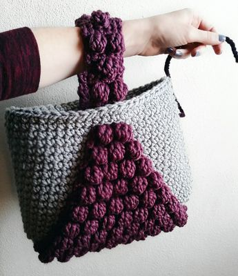 Bobble Tote By Courtney - Free Crochet Pattern - (gingerknots)