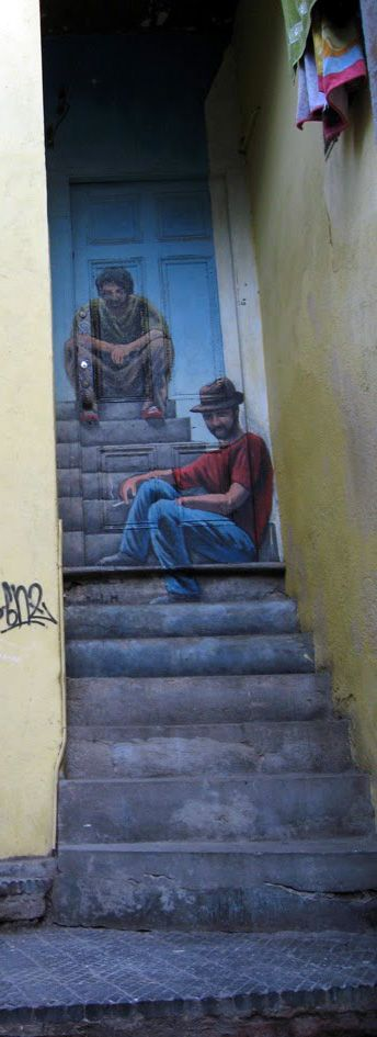 A mural art in #Valparaíso, showing two different stages of its artist's life.