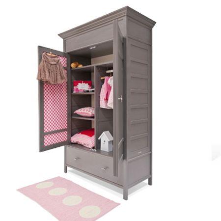 In een babykamer hoort een mooie kinderkledingkast!