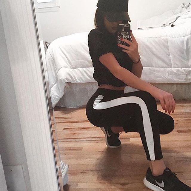 Indian teen girl mirror selfie