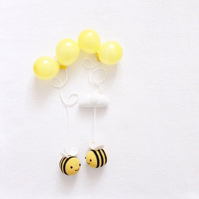 Summ, summ, summ! Bienchen summ herum! 🐝 Bee happy friends 💛 Tombik arıma bir eş ördüm, çok da mutlu oldu ☺️  -  Pattern 👉🏻 The bee is nothing more than an amigurumi ball (or head) with some rows more in the middle part • Pattern for the wings 👉🏻 'Fuzzy Little Friends' on yellowpinkandsparkly.blogspot.com • yarn 👉🏻 Schachenmayr Catania • hook size 👉🏻 2,5mm  -
