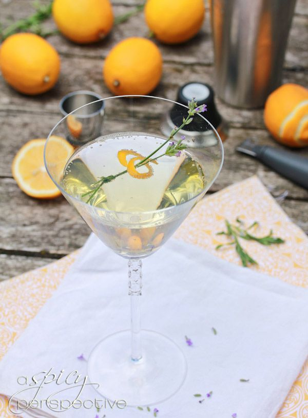 Lavender Meyer Lemon Tom Collins Cocktail (Gin Rickey)