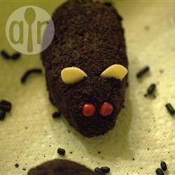 Youngsters will love those whimsical and amusing treats. Cute chocolate mice rolled in icing sugar or chocolate cookie crumbs are very realistic. Ingredients Serves: 12  Mice: 1 block (100g) darkish chocolate, broken into items 4 tablespoons bitter cream or yoghurt 125g (1¼ cups) chocolate biscuit crumbs For Adorning: 35g chocolate biscuit...