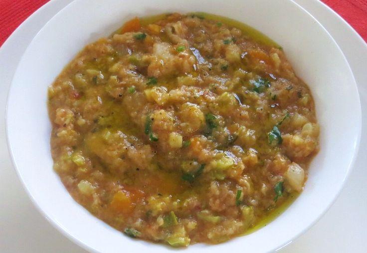 Zuppa di minestrone e pane brutto