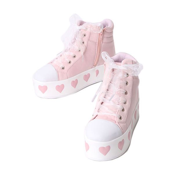 LAGRACE MART:モチーフ入厚底スニーカー ❤ liked on Polyvore featuring shoes, sneakers, pastel, fairy kei and hearts