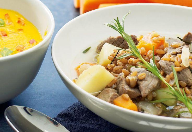 Recept: Fyllig köttsoppa med pärlkorn och vintergrönt   Aktiv Träning