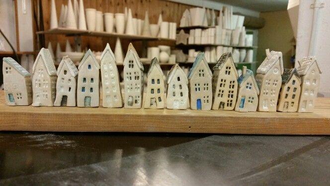 Små keramik huse...3-6 cm høje