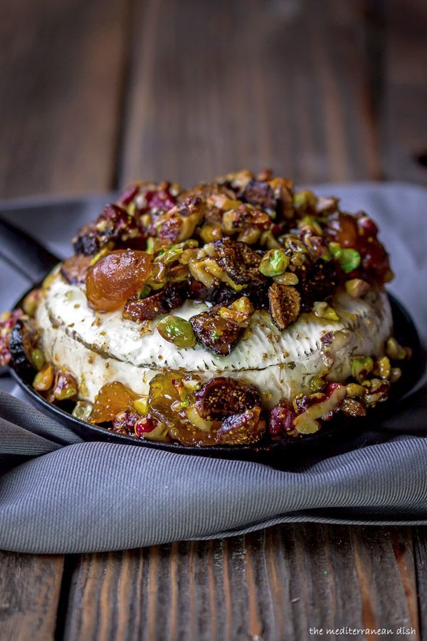 A French Baked Brie Recipe with Figs, Walnuts and Pistachios | http://www.themediterraneandish.com/baked-brie-recipe/