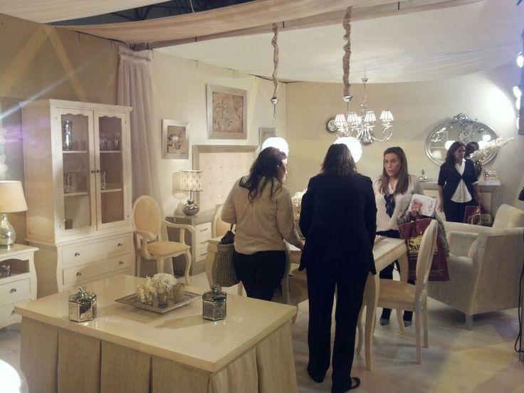 Salon moderno de colores crudos mueblesarria muebles - Muebles decoracion sevilla ...