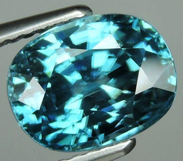 4.90 CtS AWESOME SPARKLE NATURAL NR..BEST BLUE ZIRCON  zircon gemstone
