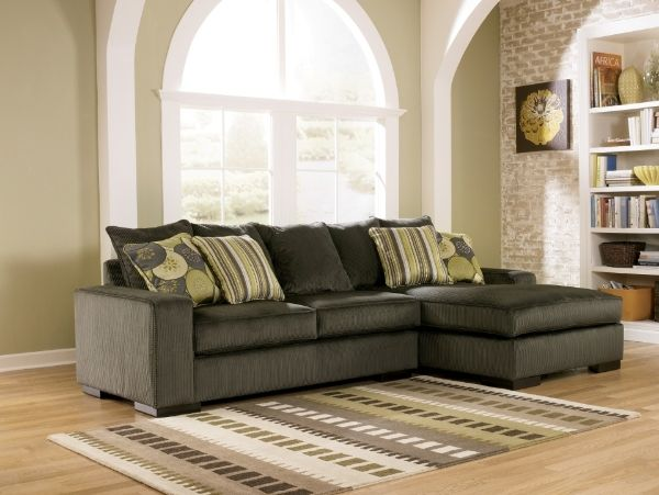 #RevampMyLivingRoom @1019MIXChicago Brand new homeowner with no living room furniture!