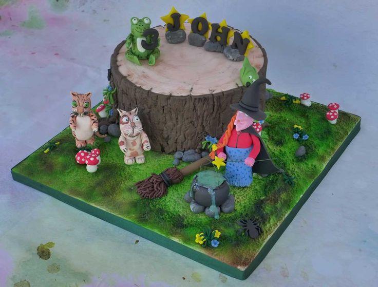 Room on the Broom Birthday Cake.