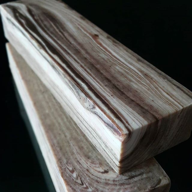 Wood grain technique cp soap 와송. 소루쟁이분말을 이용한 나무결 무늬 마블 #handmadesoap…
