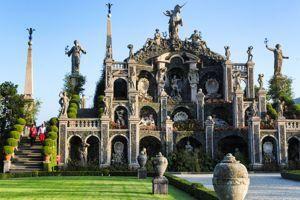 Le jardin du Teatro Massimo d'Isola Bella, une pure folie baroque.