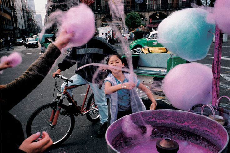 Alex Webb, Mexico City, 2003 | FlakPhoto.com
